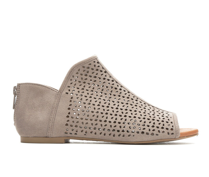 Women's Unr8ed Ambe Casual Shoes