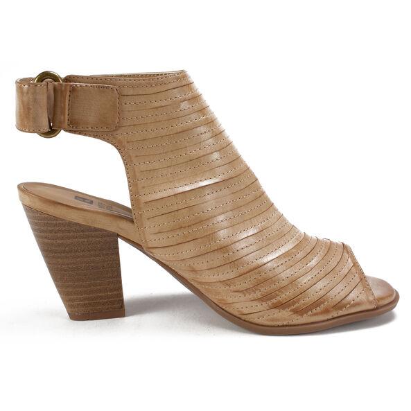 Women's White Mountain Phoenix Heeled Sandals