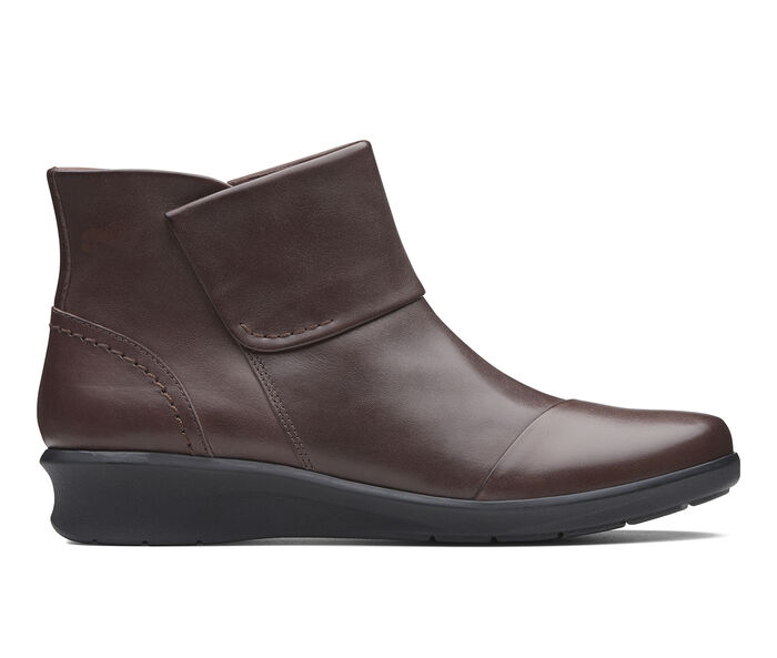Women's Clarks Hope Track Booties