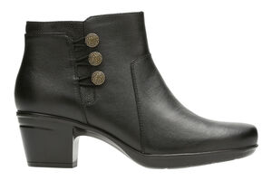 Women's Clarks Emslie Monet Booties