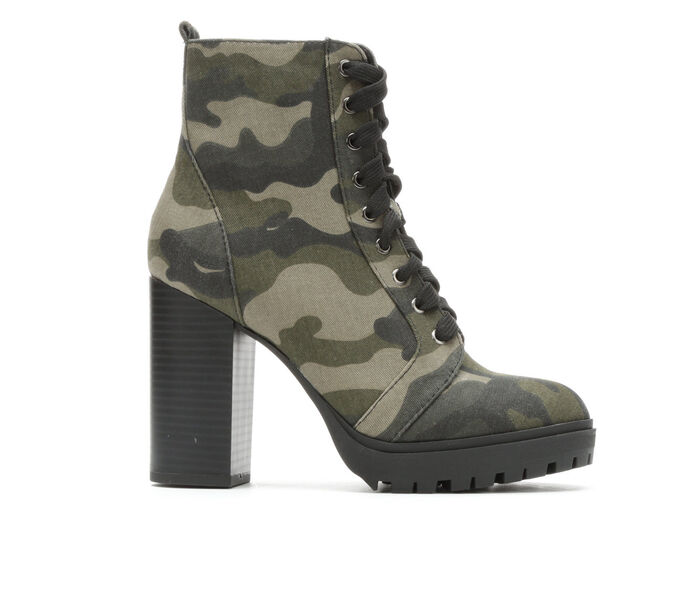 Women's Unr8ed Explore Heeled Lace-Up Boots