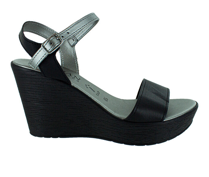Women's Italian Shoemakers Tamieka Wedges