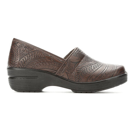 Women's Easy Works by Easy Street Lyndee Slip-Resistant