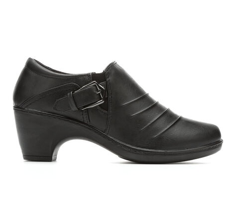 Women's Easy Street Burnz Heeled Booties