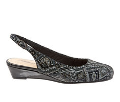 Women's Trotters Lenore Wedges