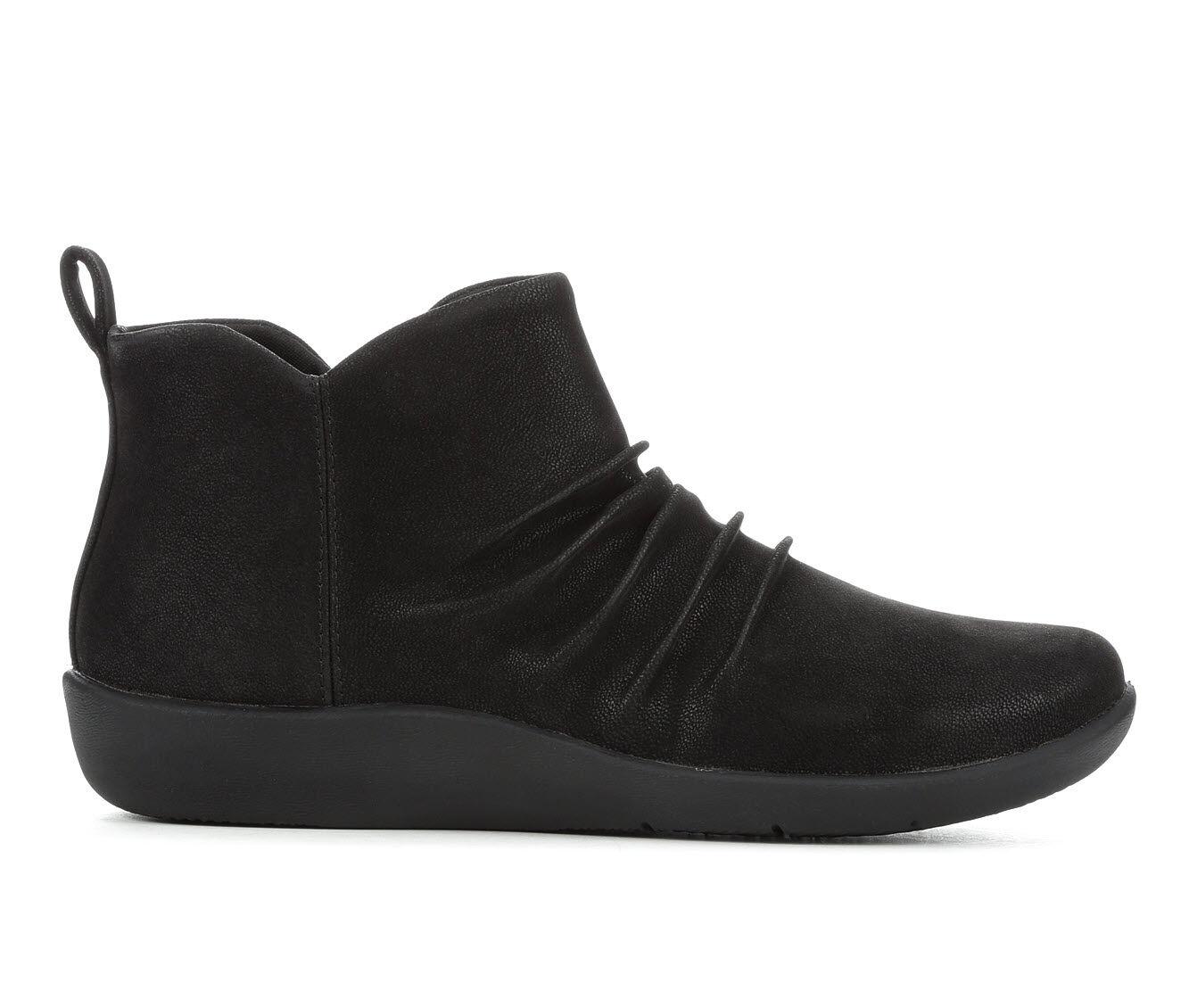 Clarks Wide Width Shoes   Shoe Carnival