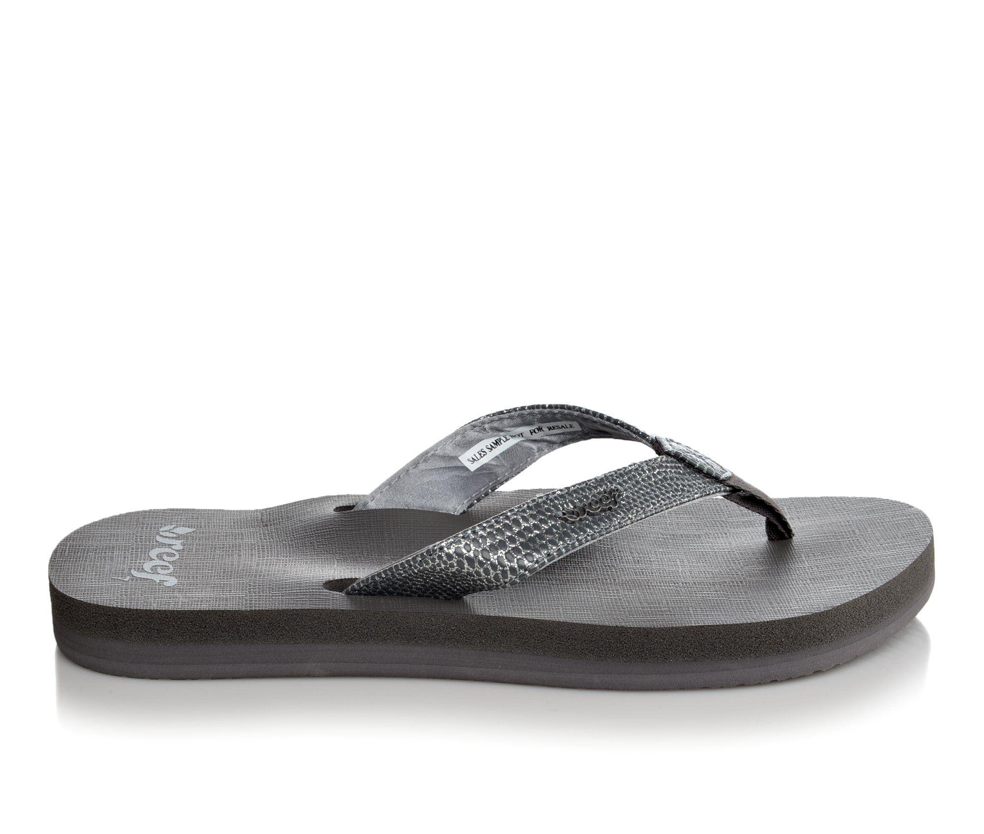 Women's Reef Sassy Star Sandals (Silver)