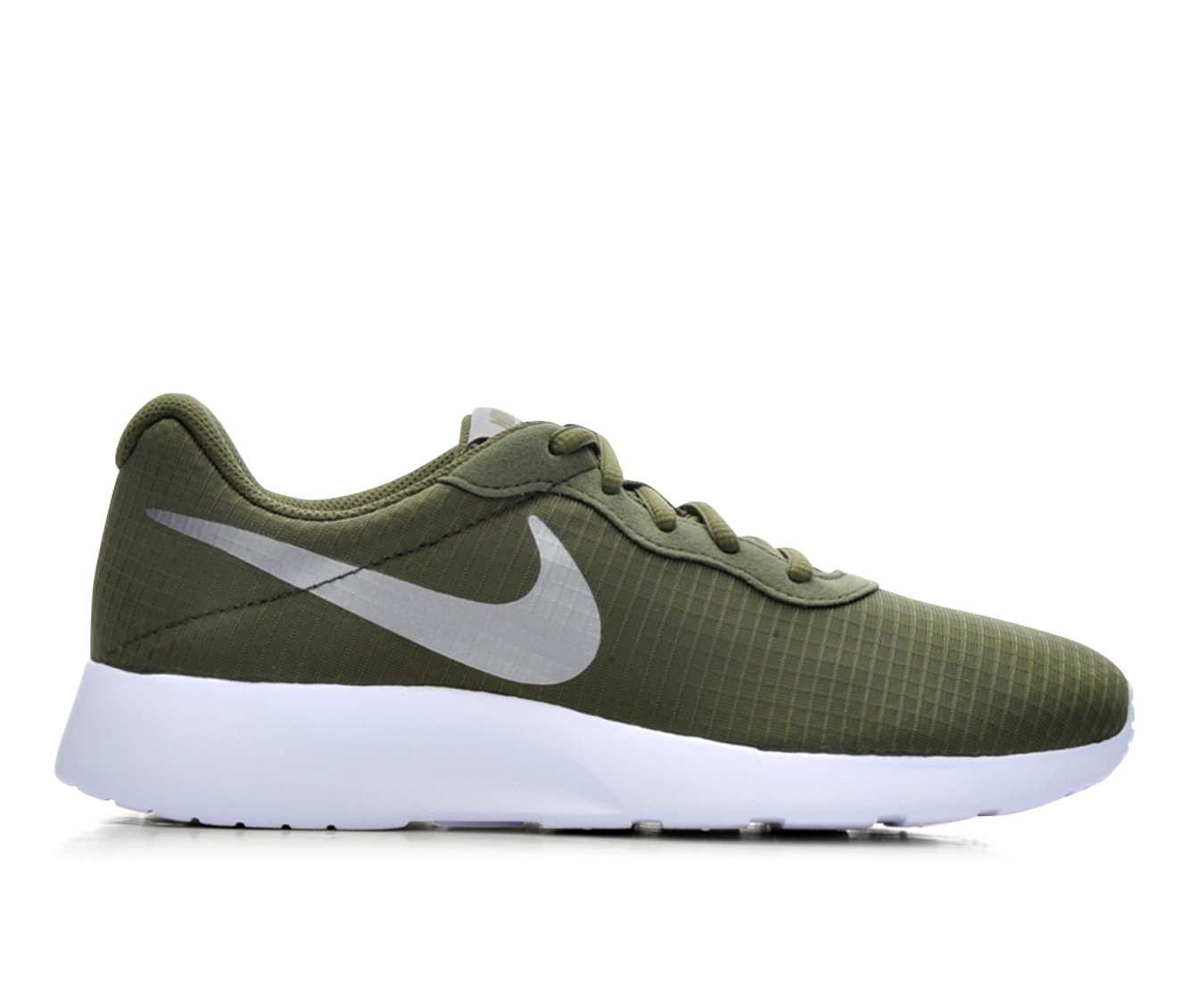 Women's Nike Tanjun SE Sneakers (Green - Size 9.5) 1615348