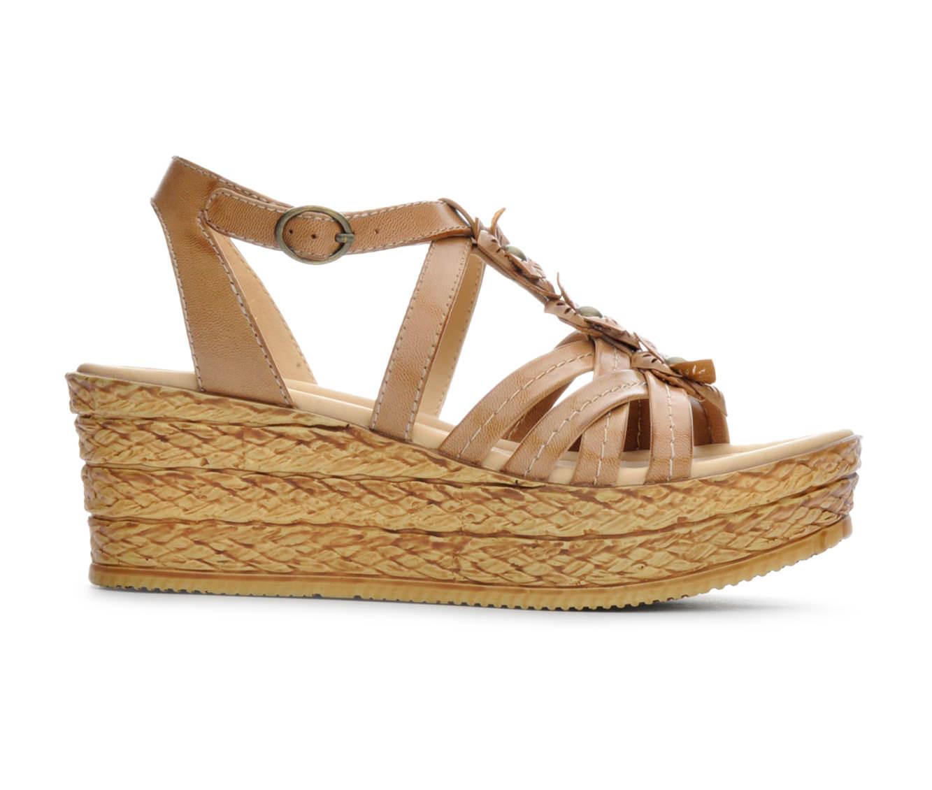 Women's BareTraps Fuchsia Sandals (Beige)