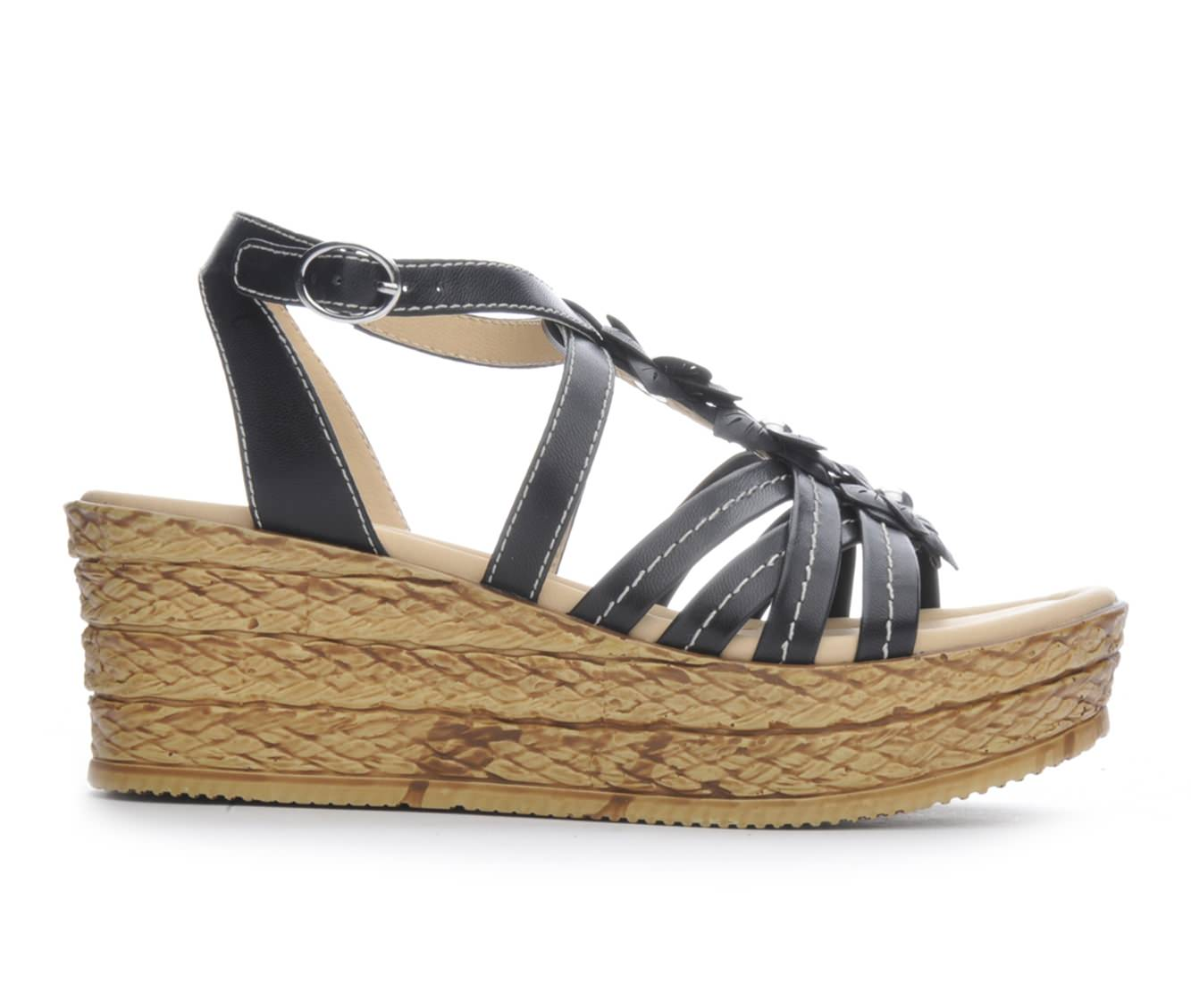 Women's BareTraps Fuchsia Sandals (Black)