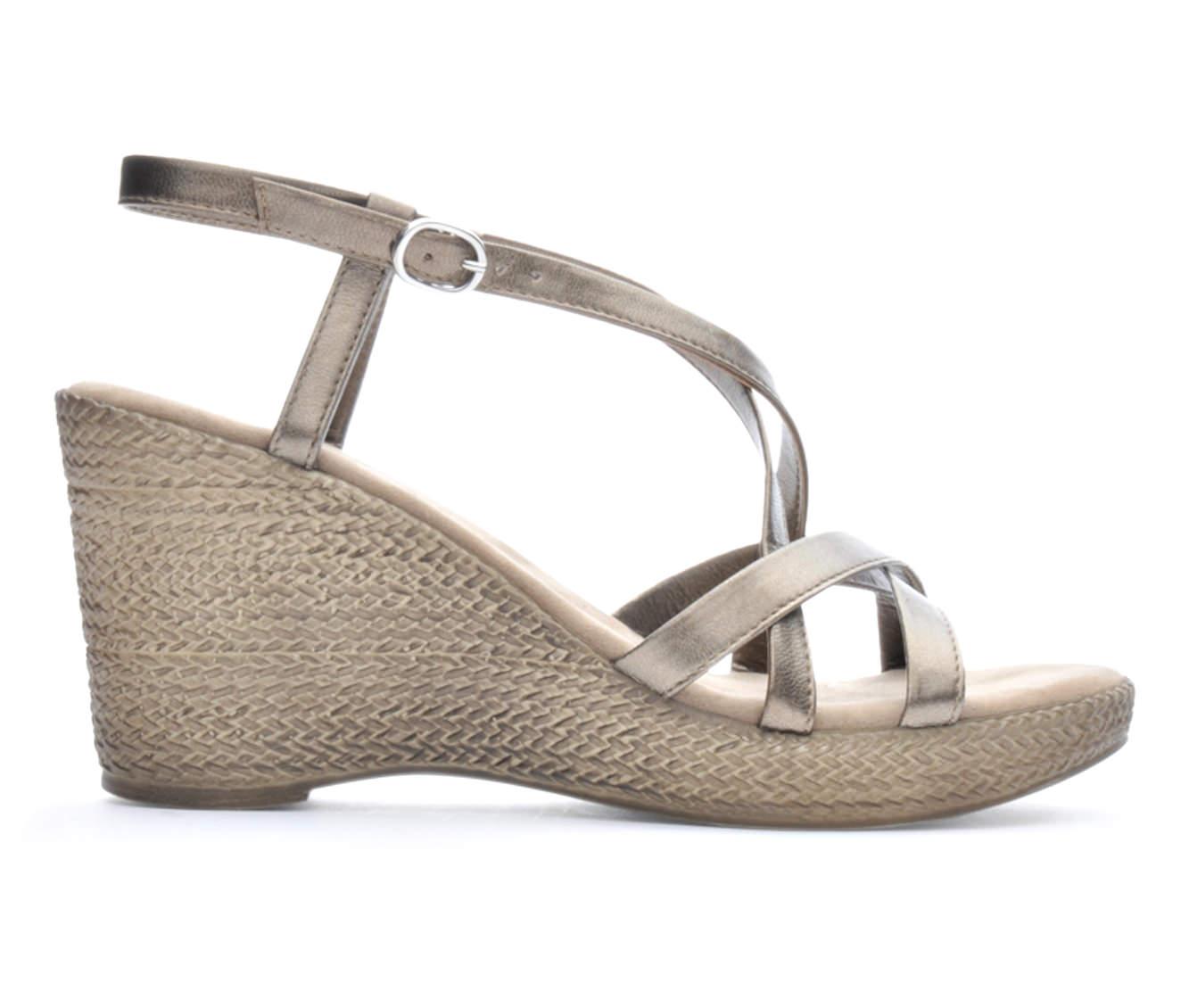 Women's Italian Shoemakers Enya Sandals (Beige)