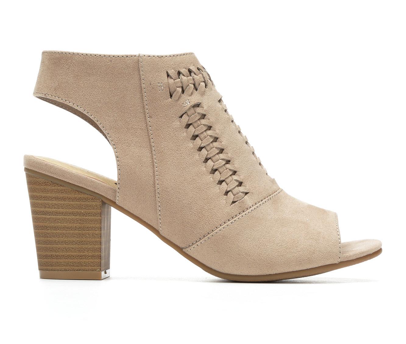 Women's Vintage 7 Eight Wendi Block Heels (Beige)