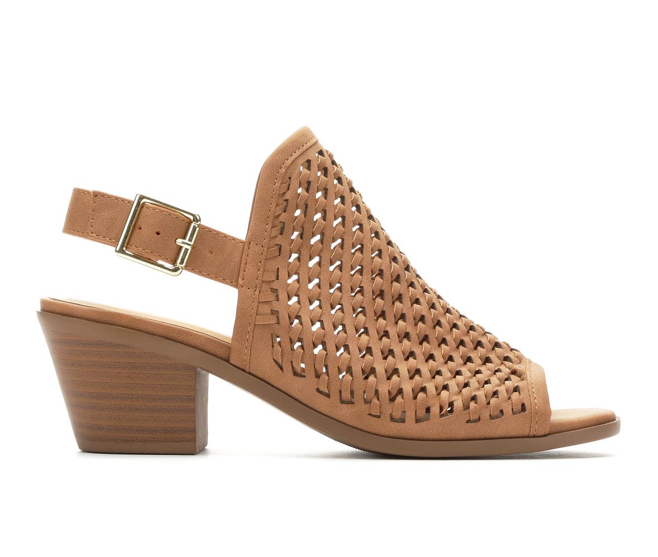 Solanz Abigail Women's Dress Shoe (Beige Faux Leather)