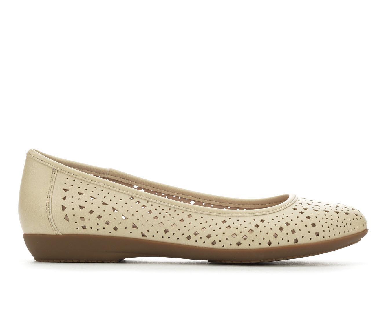 Vintage 7 Eight Claire Women's Shoe (Blue Faux Leather)
