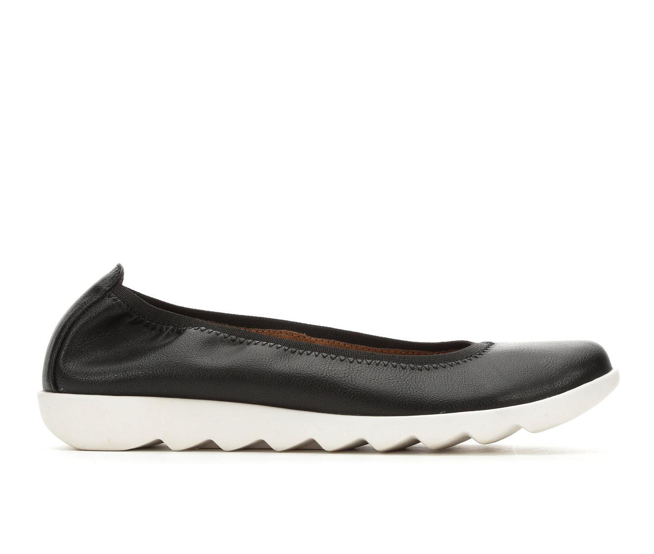 Vintage 7 Eight Grace Women's Shoe (Black Faux Leather)