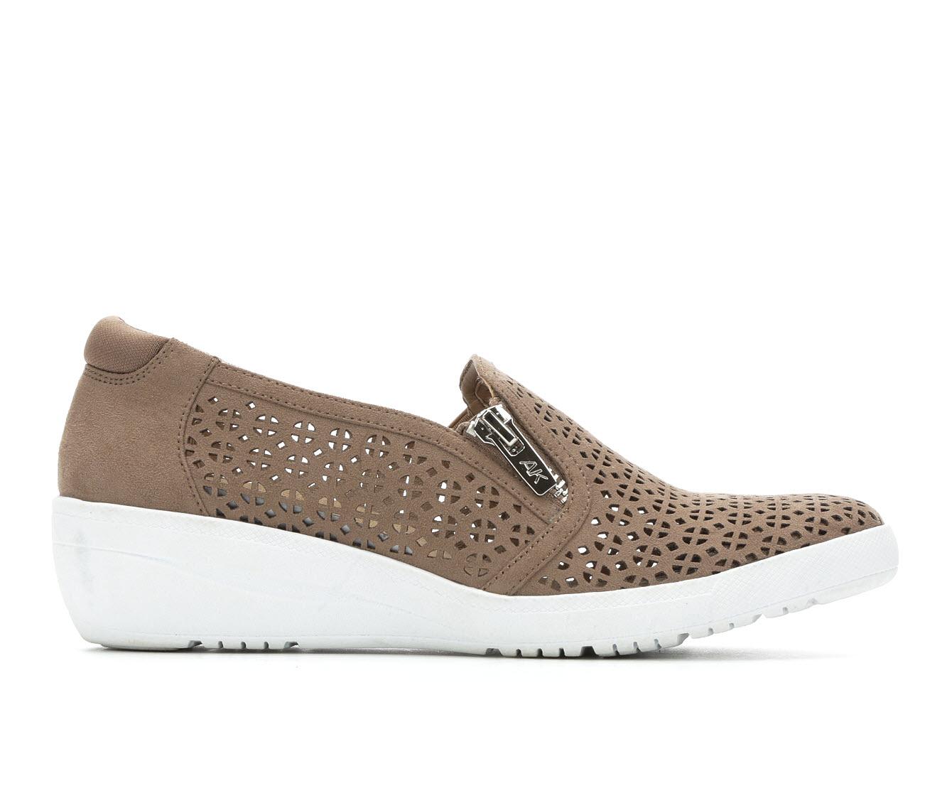 Anne Klein Sport Yepa Women's Shoe (Gray Faux Leather)