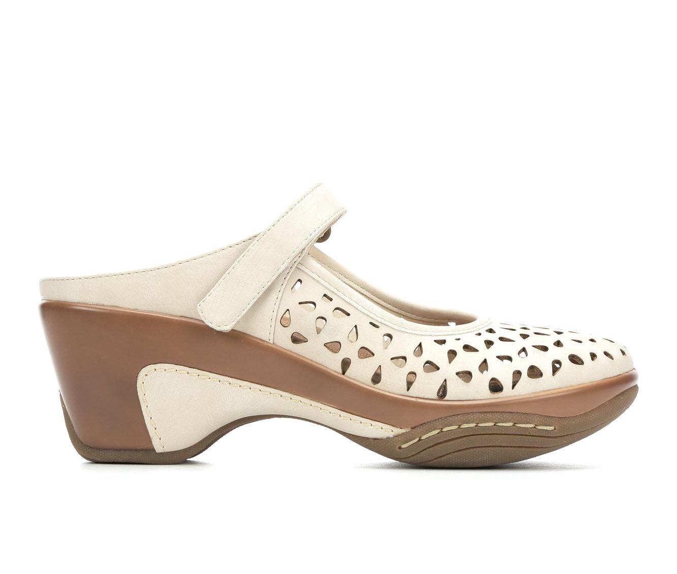 Solanz Vespa Women's Shoe (Beige Faux Leather)