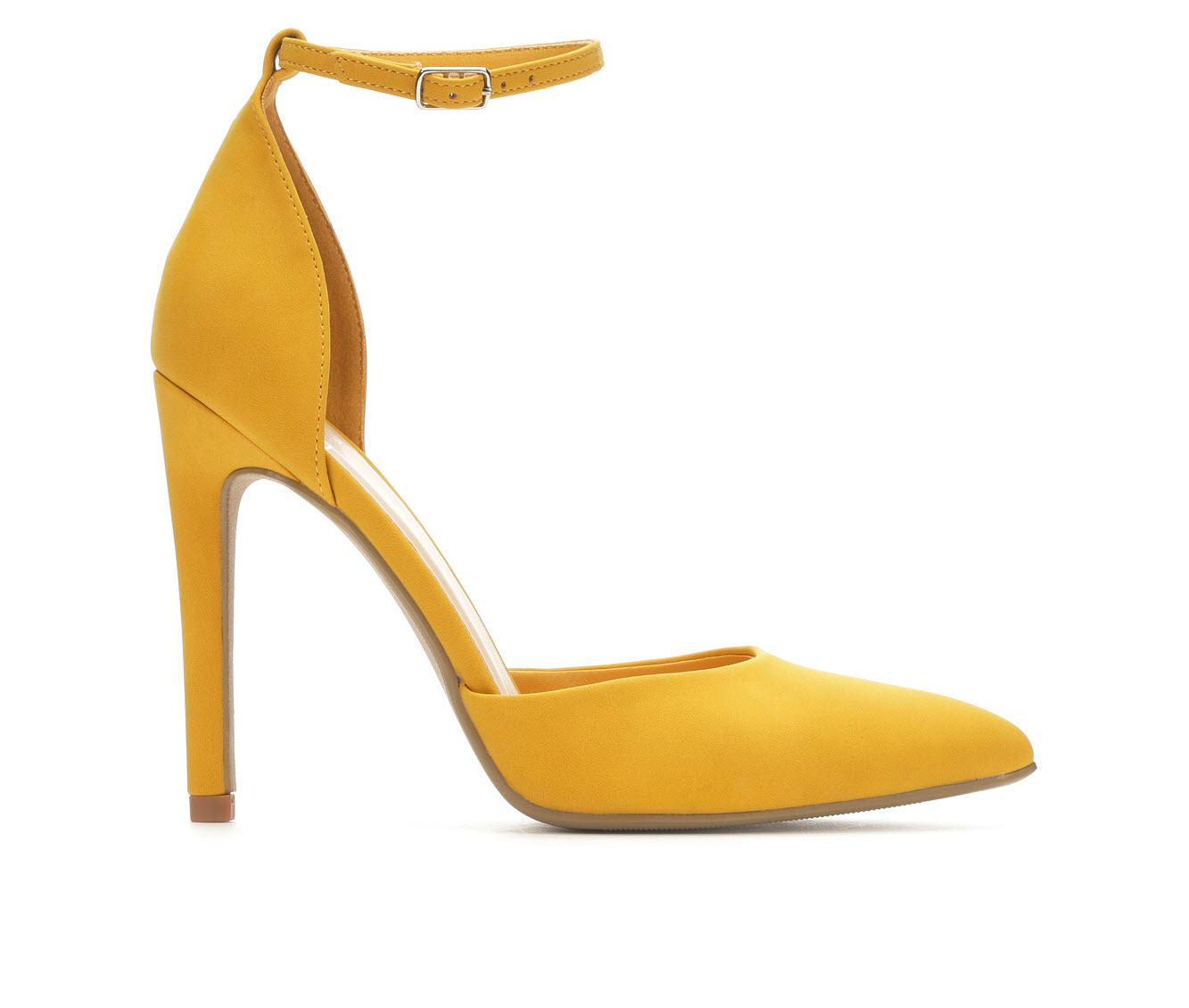 Delicious Unload Women's Dress Shoe (Yellow Faux Leather)