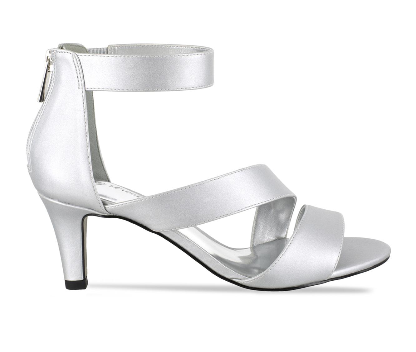 Easy Street Maxi Women's Dress Shoe (Silver Canvas)