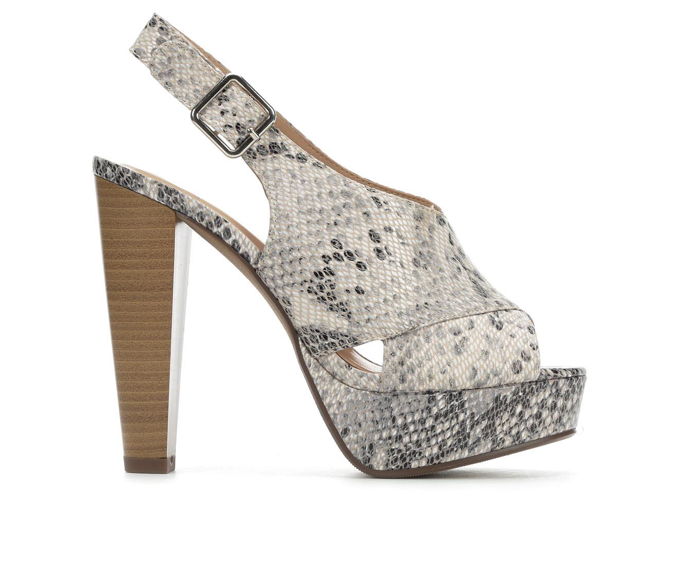 Delicious Hab Women's Dress Shoe (Beige Faux Leather)