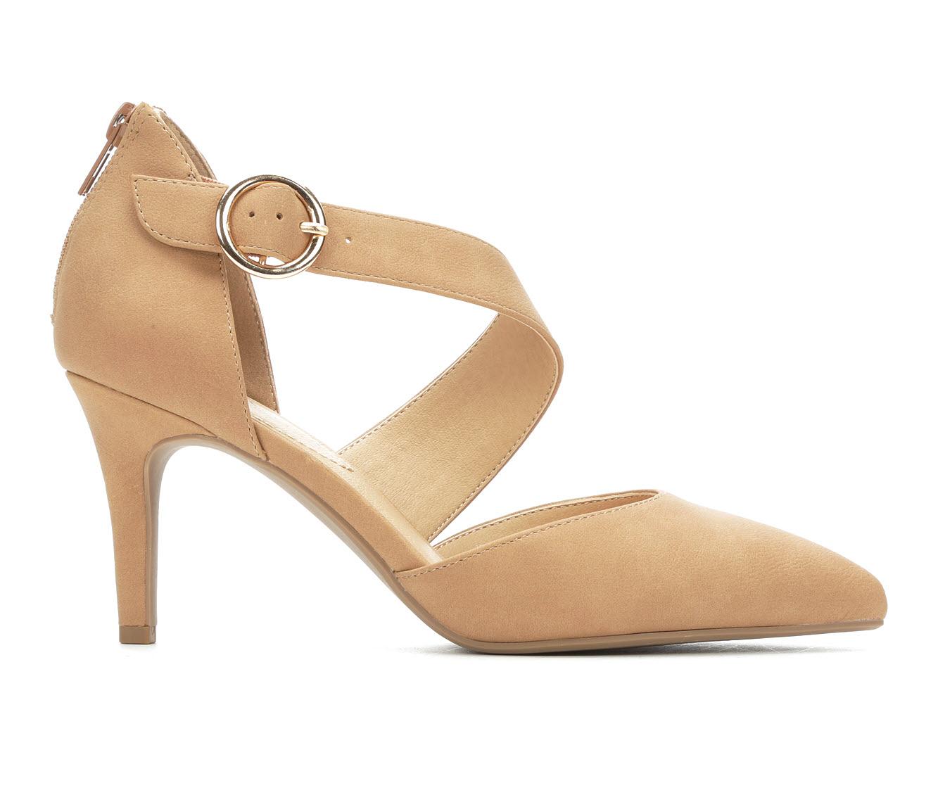 Solanz Blakely Women's Dress Shoe (Beige Faux Leather)