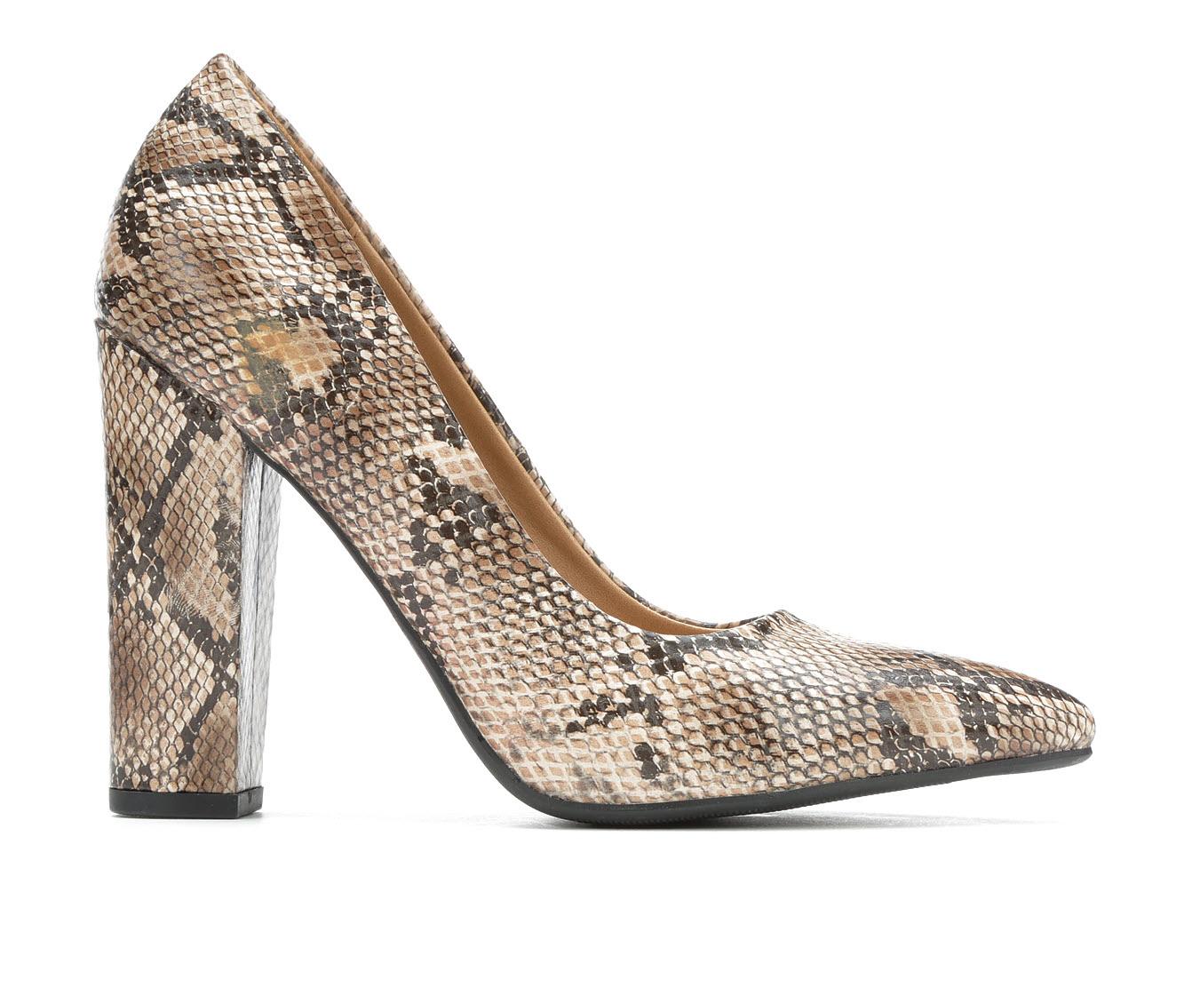 Y-Not Ogden Women's Dress Shoe (Beige Faux Leather)