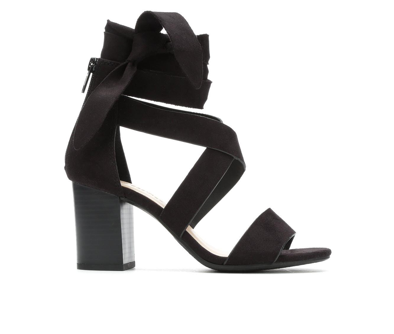 City Classified Ladies Women's Dress Shoe (Black Canvas)