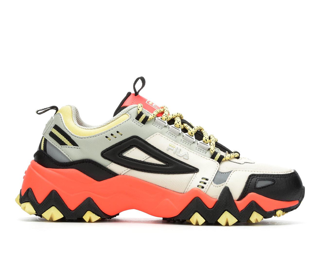 Fila Oakmont TR Women's Athletic Shoe (Beige)