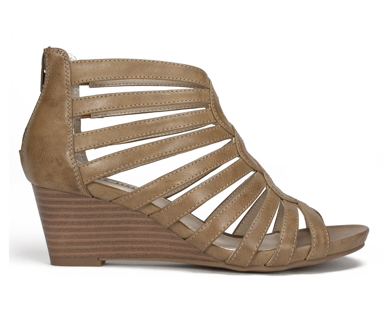 Cliffs Victoria Women's Sandal (Gray Faux Leather)
