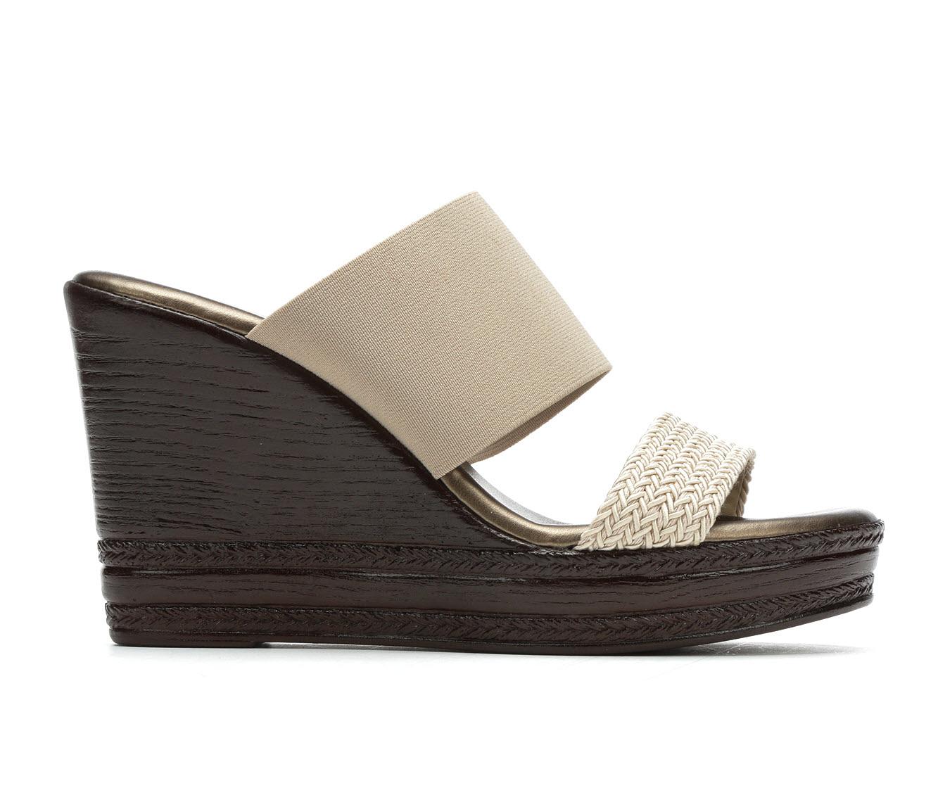 Italian Shoemakers Cammi Women's Sandal (Beige Faux Leather)