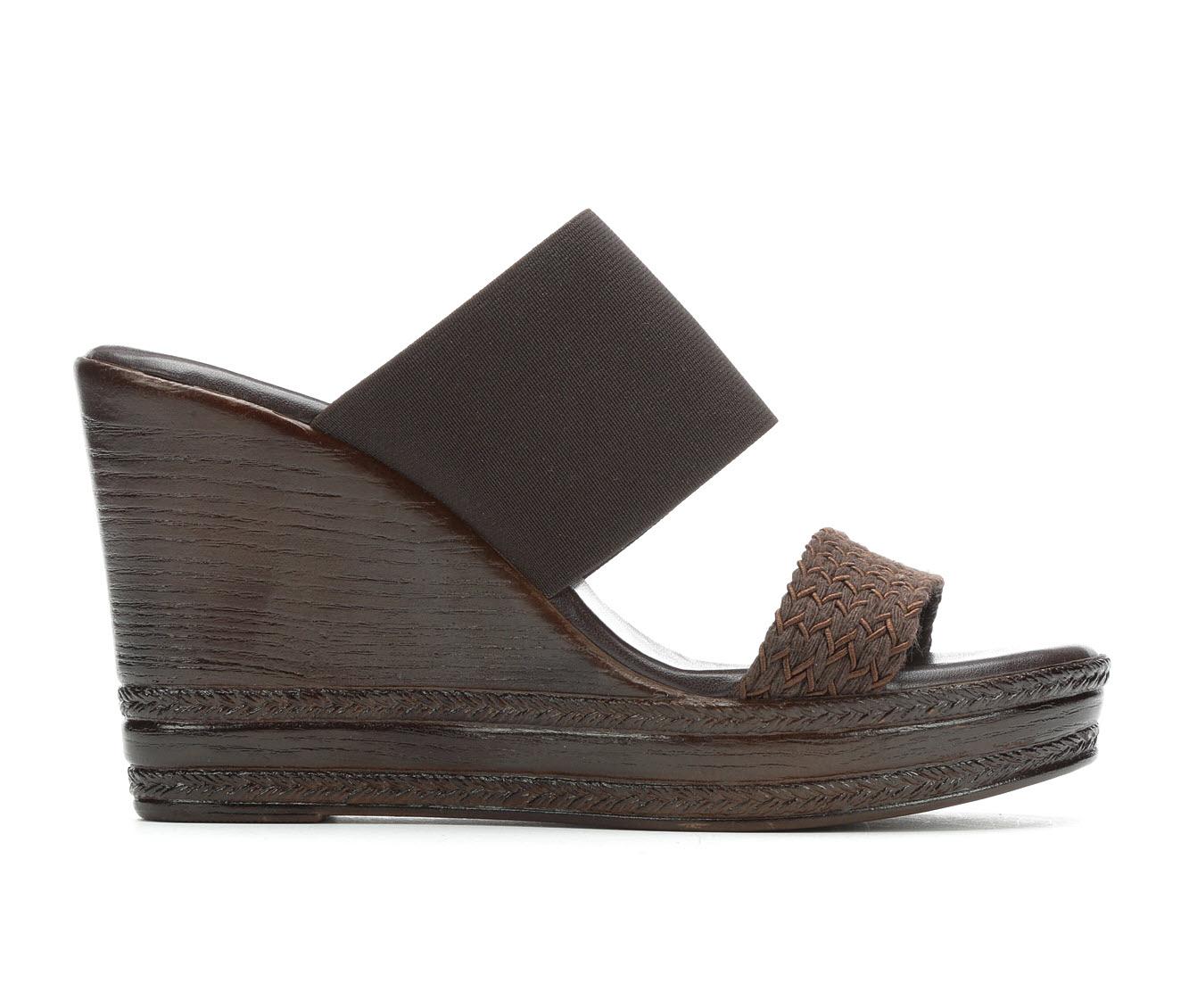 Italian Shoemakers Cammi Women's Sandal (Brown Faux Leather)