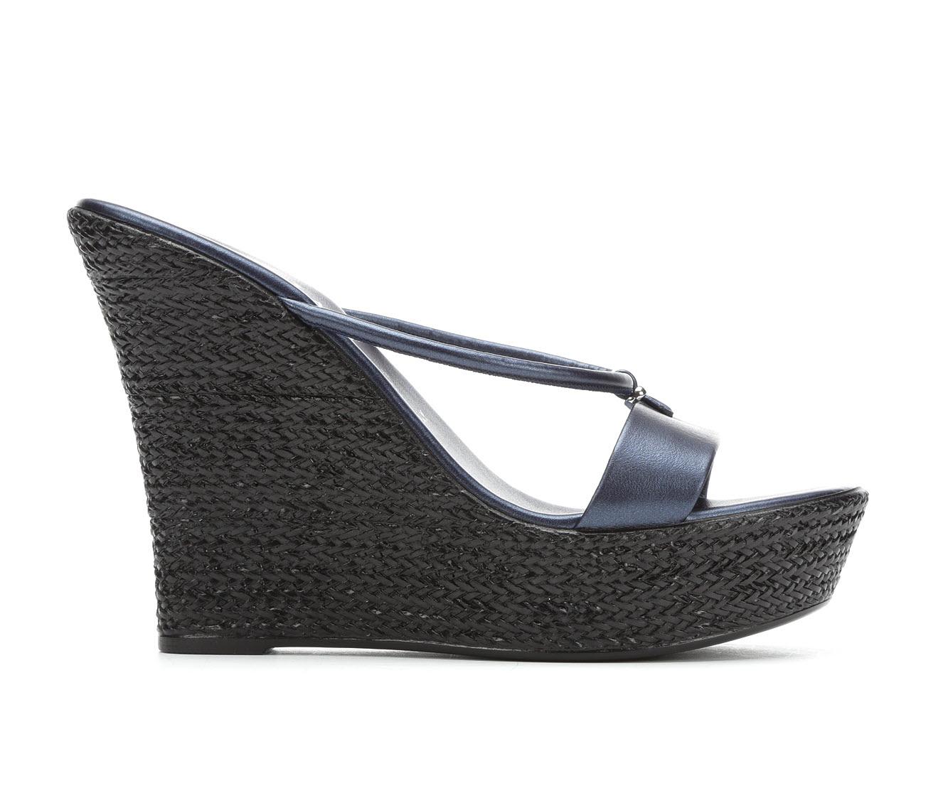 Italian Shoemakers Dita Women's Sandal (Blue Faux Leather)