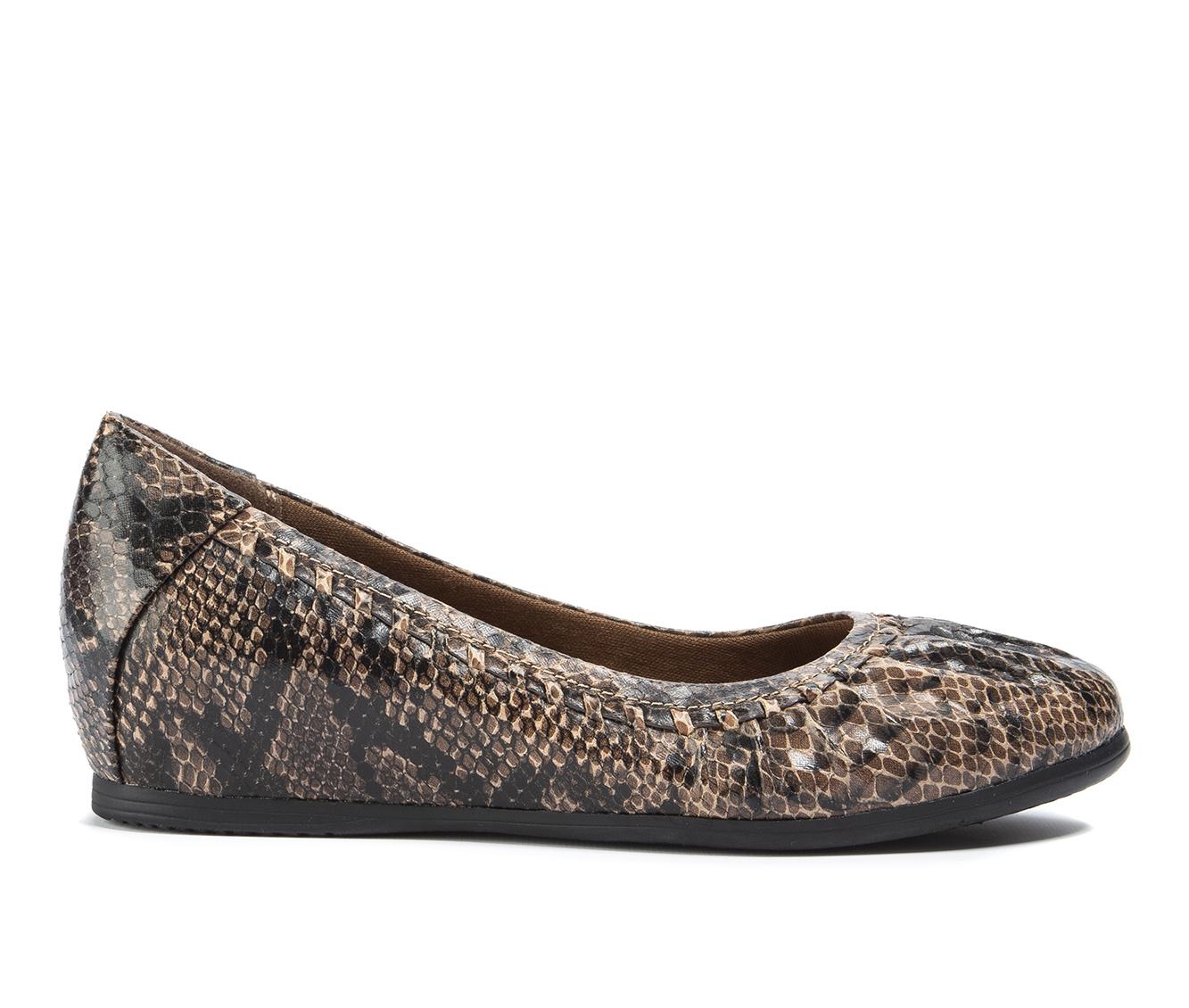 Baretraps Norma Women's Shoe (Brown Canvas)