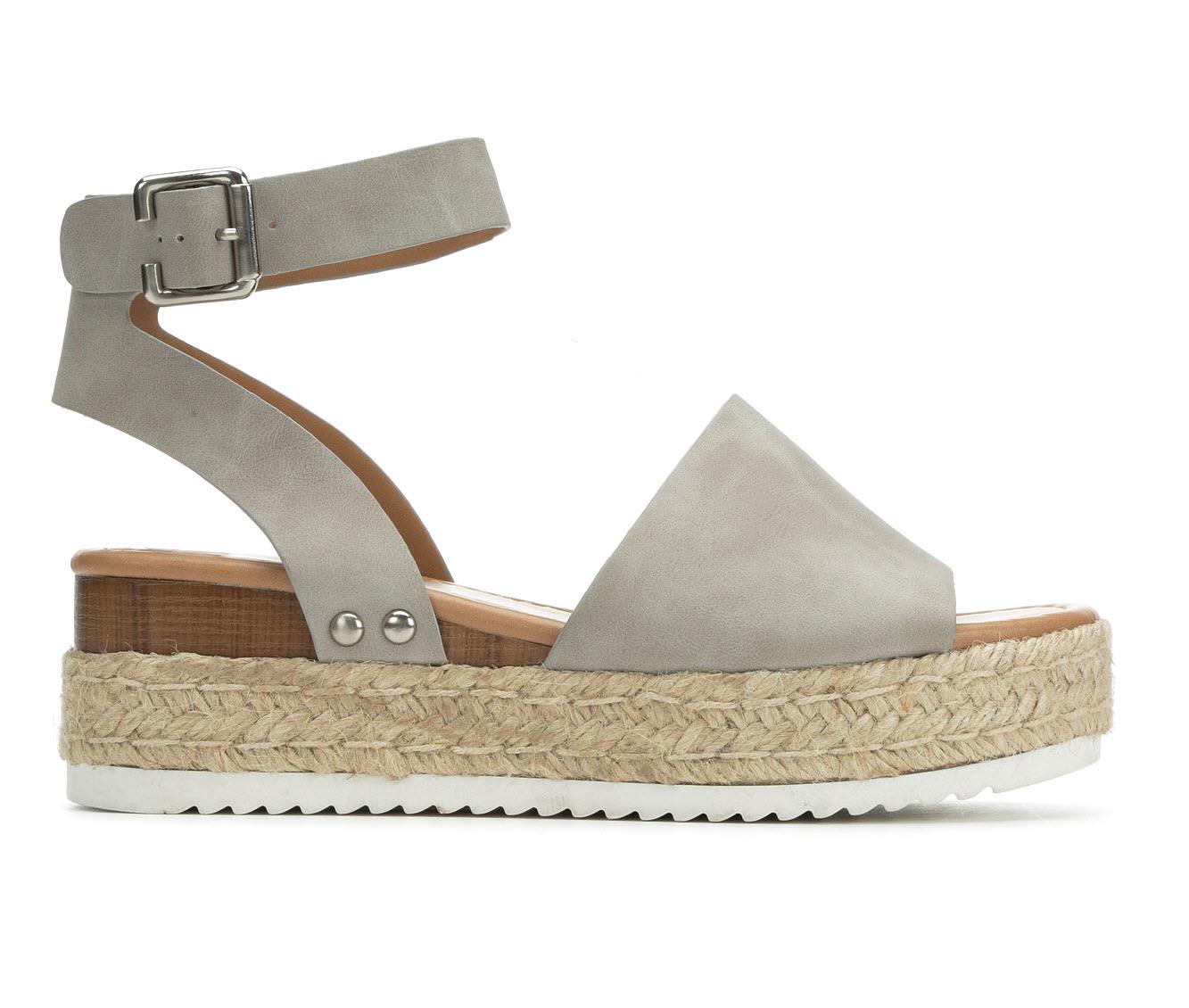 Soda Topic Women's Sandal (Gray Faux Leather)