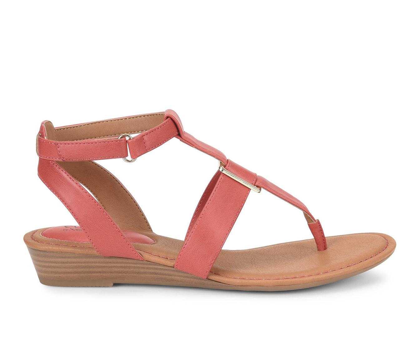 EuroSoft Maddie Women's Sandal (Pink Faux Leather)