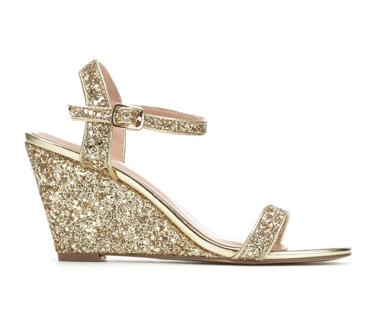 LLorraine Goldie Women's Dress Shoe (Gold Faux Leather)