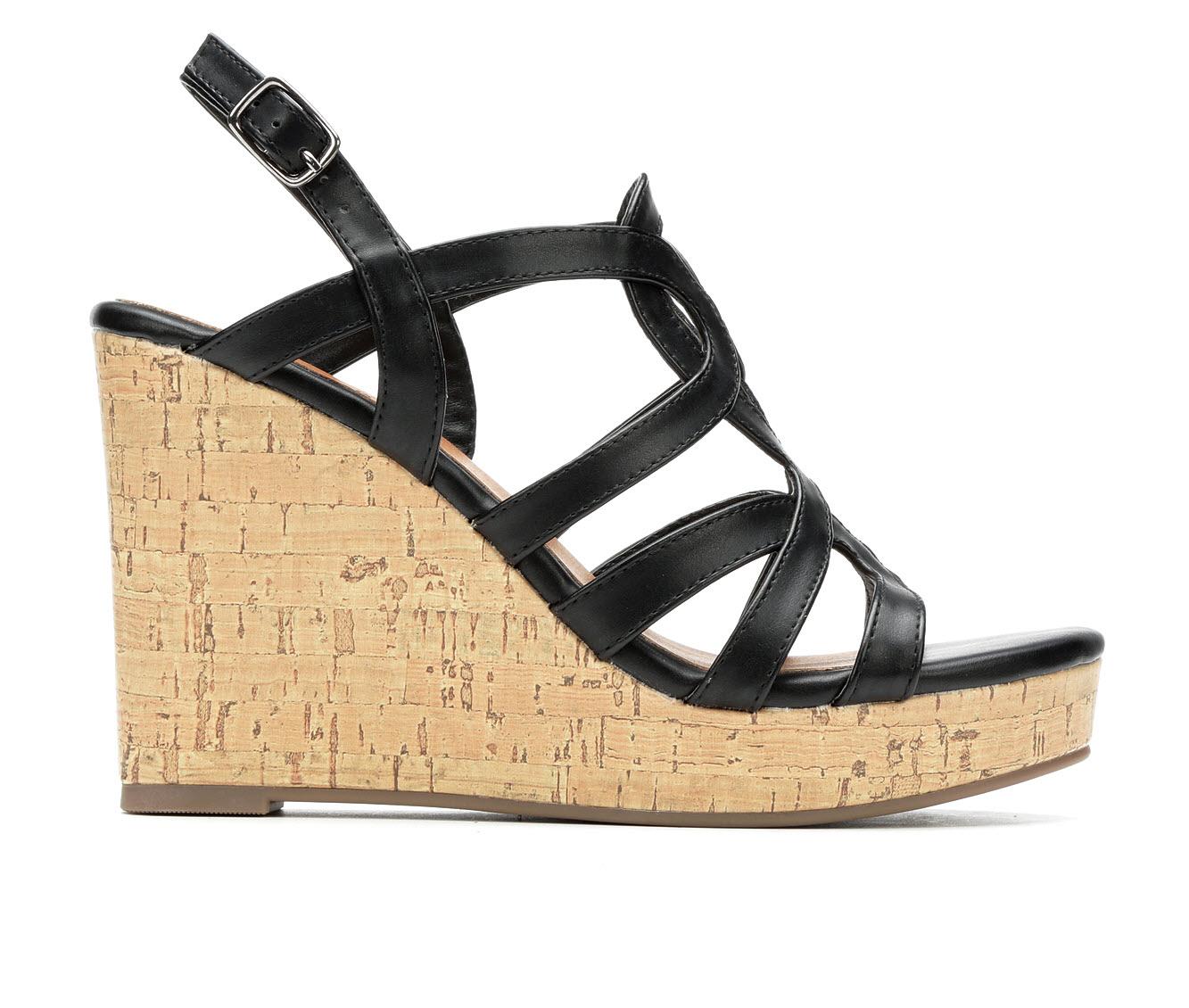Daisy Fuentes Susie Women's Dress Shoe (Black Faux Leather)