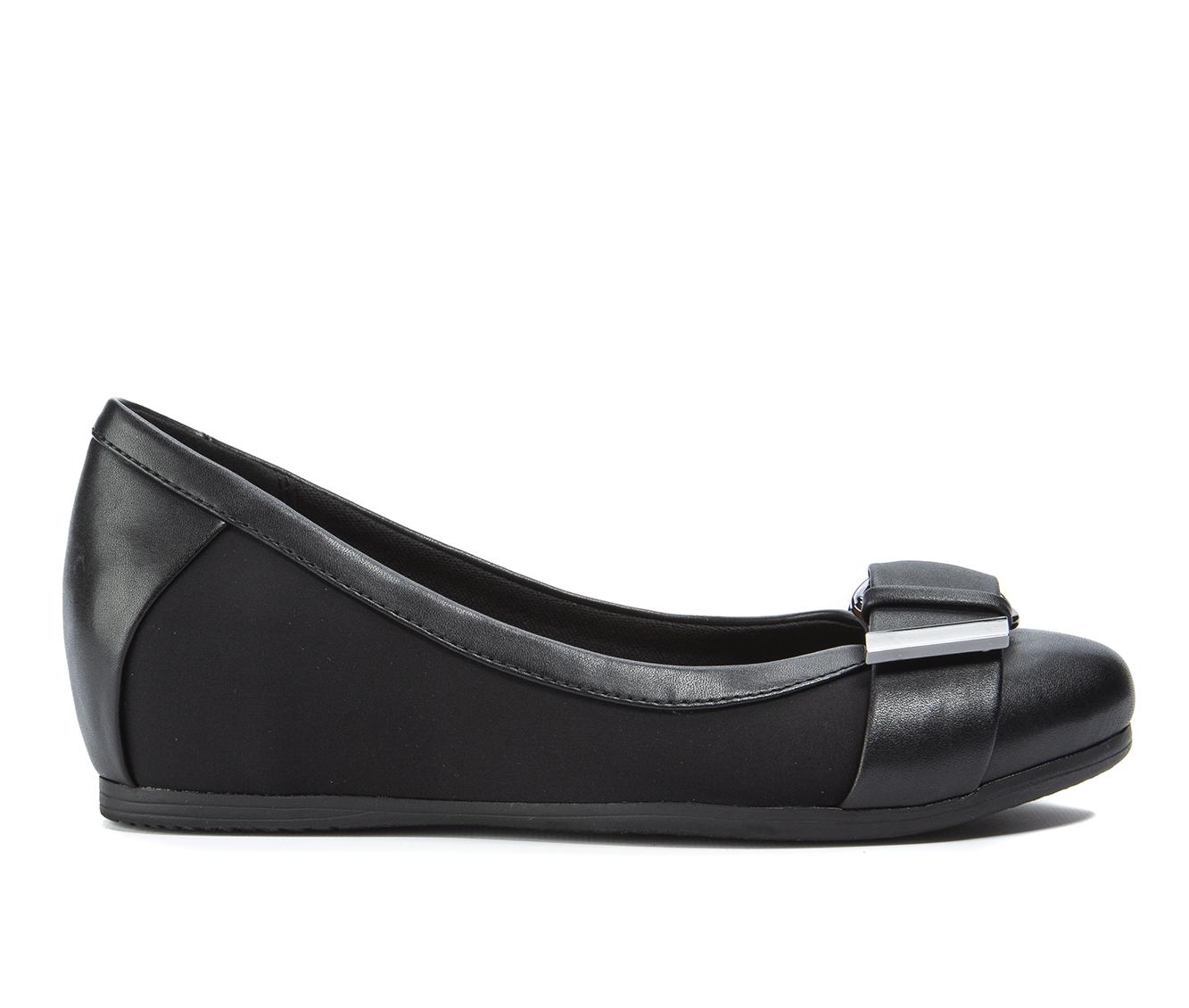 Baretraps Nelly Women's Shoe (Black Canvas)