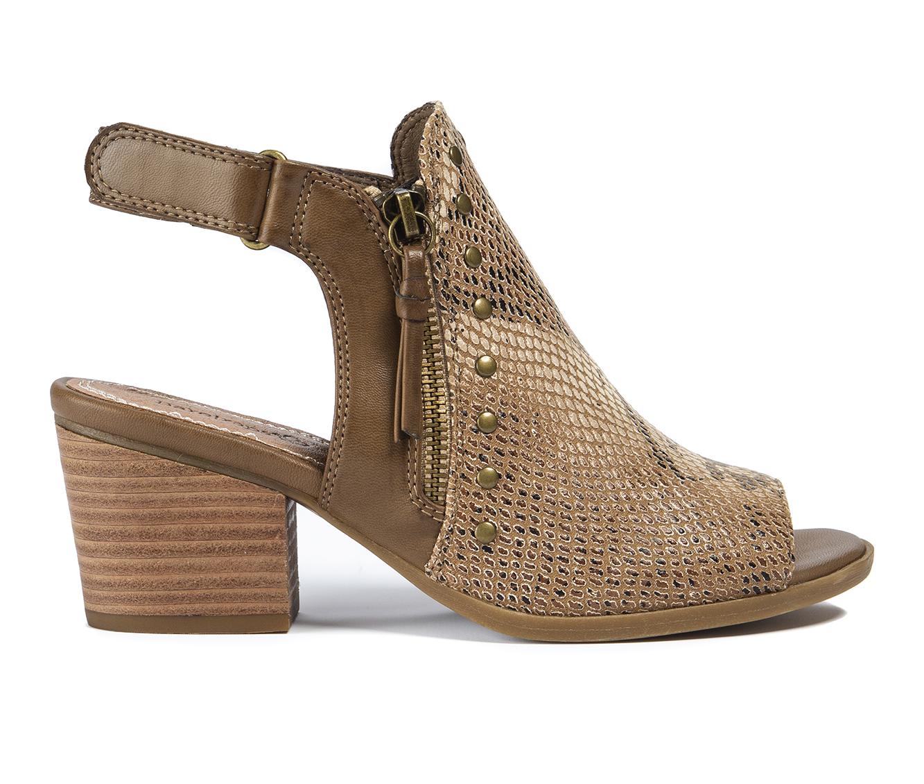 Baretraps Ivella Women's Dress Shoe (Brown Faux Leather)