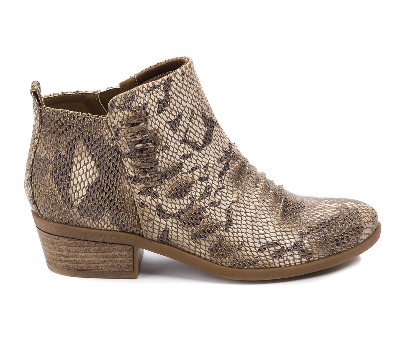 Baretraps Grafton Women's Boot (Beige Canvas)