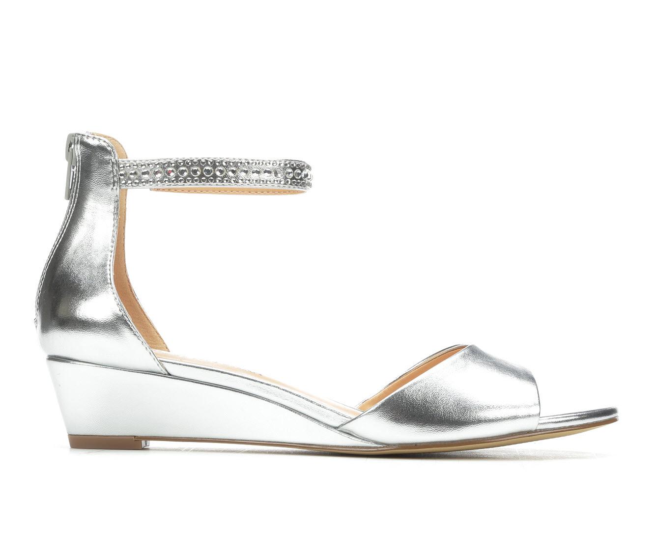 American Glamour BadgleyM Xena Women's Dress Shoe (Silver Canvas)