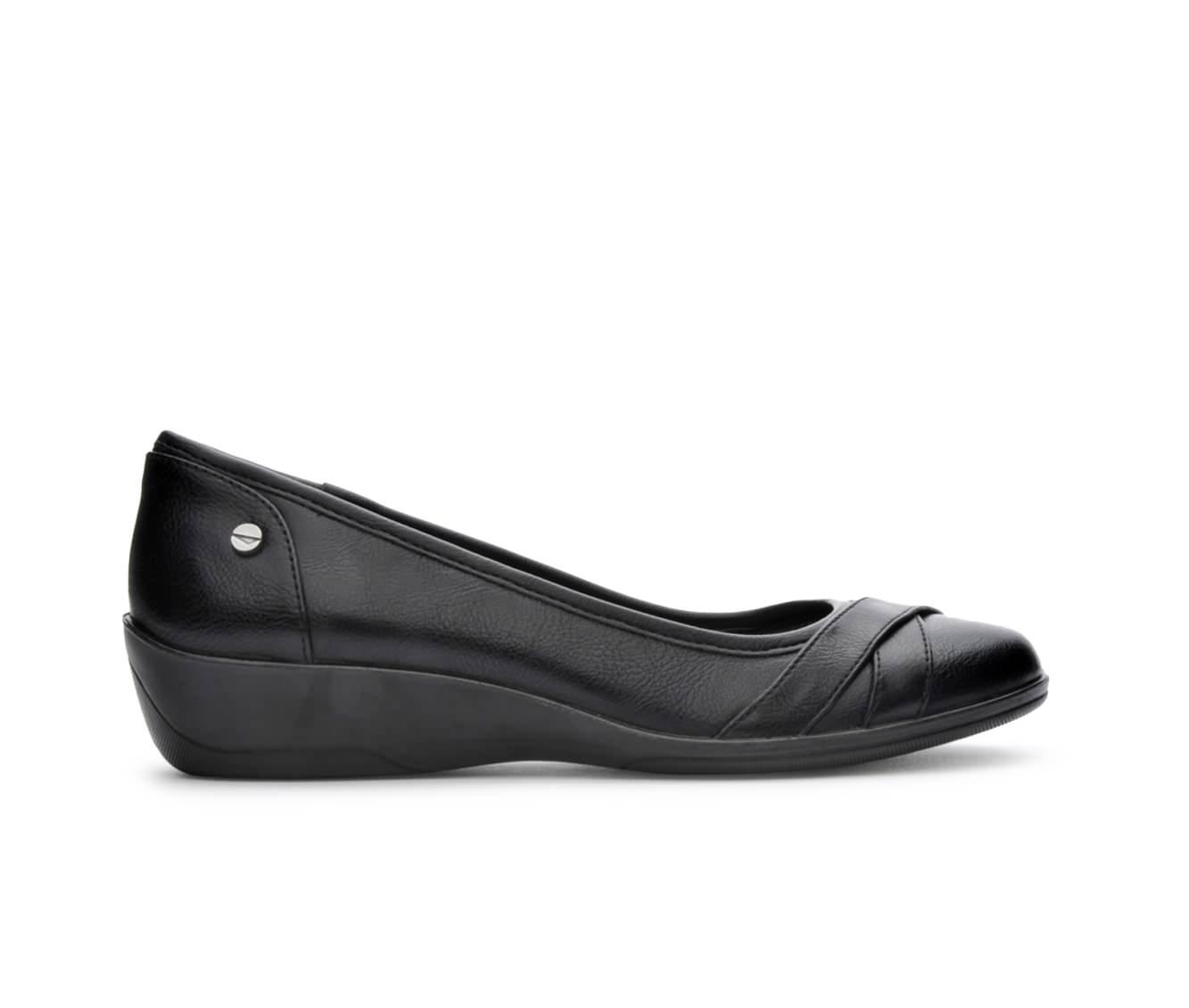 LifeStride Iloyal Women's Shoe (Black Faux Leather)