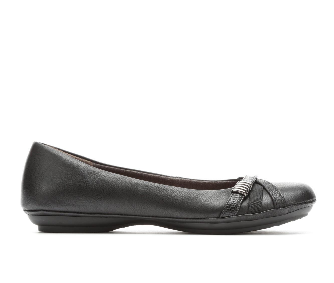 EuroSoft Shaina Women's Shoe (Black Faux Leather)