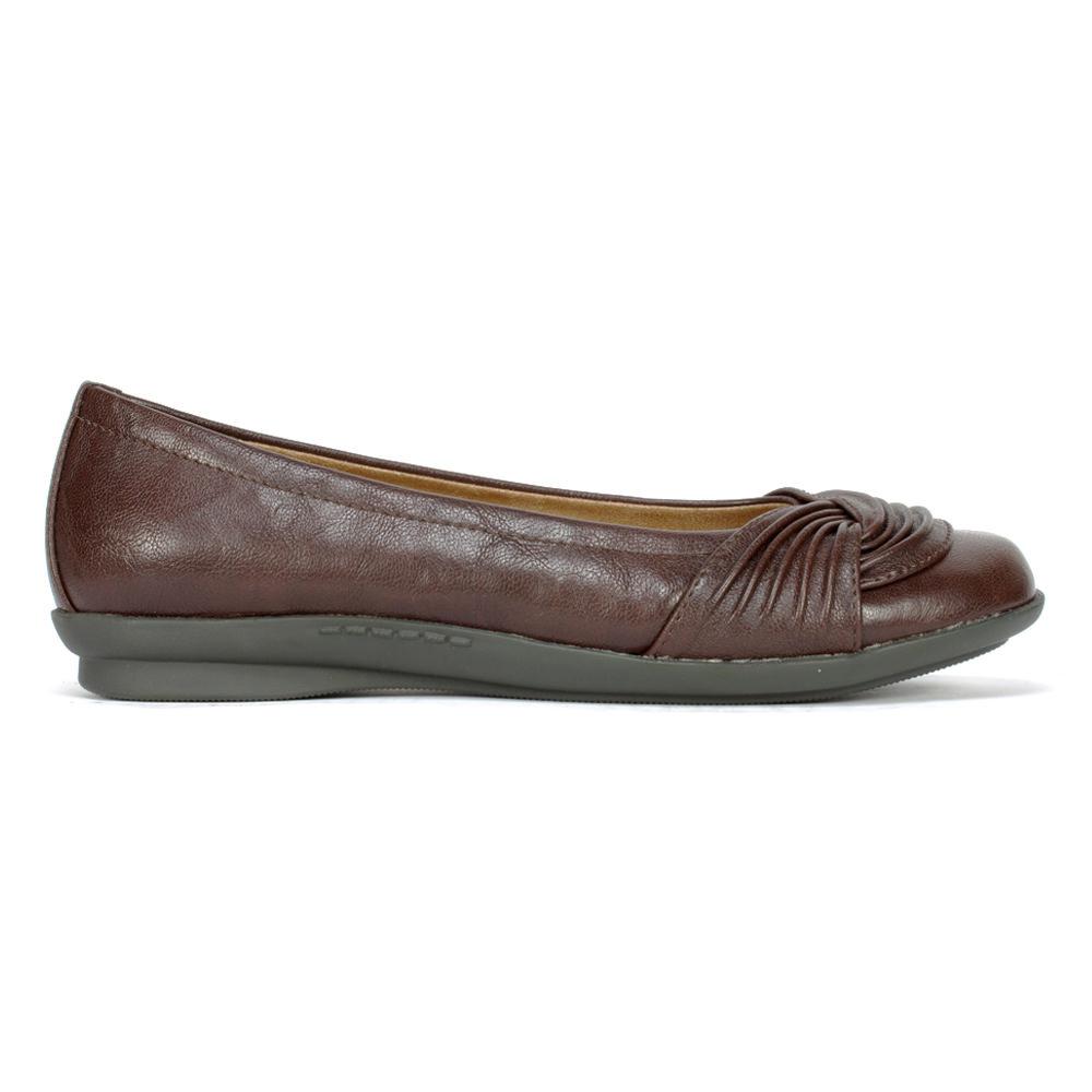 Cliffs Hilt Women's Shoe (Brown Faux Leather)